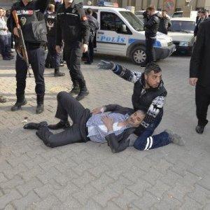 Adana'da silahlı çatışma: 4 yaralı