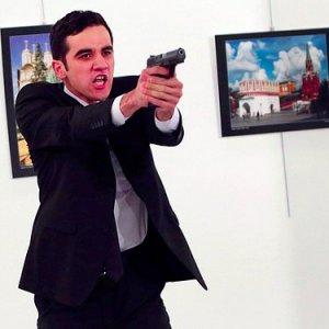 Karlov suikastını çeken gazeteciye büyük ödül