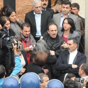 Polislere hakaret eden Baydemir'e hapis istemi
