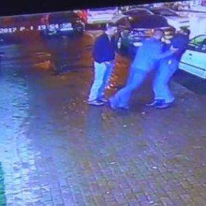 Cadde ortasında baltalı kavga !