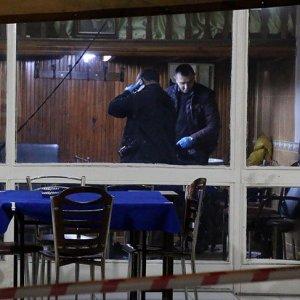 Fatih'te kahvehaneye silahlı saldırı: 5 yaralı