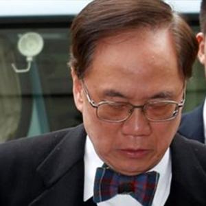Hong Kong'un eski liderine hapis