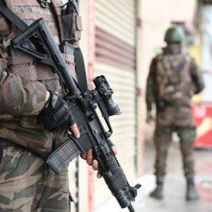 Teröristlerle sıcak temas: Yaralılar var