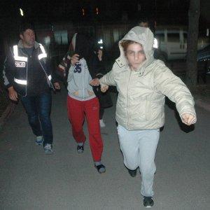 Anne, oğul ve kızı sahte polis çıktı