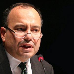 Hürriyet'te Sedat Ergin görevinden alındı
