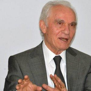 ''AK Parti'de kariyerin yolu Gülen'den geçerdi''