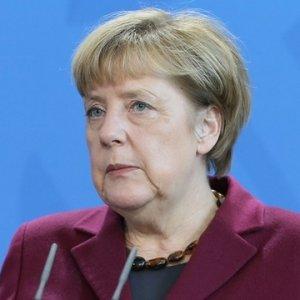 Merkel'den Türk liderlere Nazi yanıtı