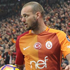 Sneijder'den ayrılık açıklaması !