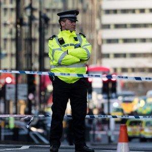 Londra saldırısında flaş gelişme ! Polis 6 adresi bastı