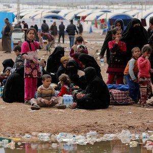 Musul'un batısında 200 binden fazla kişi yerinden oldu