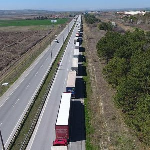 Kapıkule'de TIR şoförlerine Bulgar zulmü