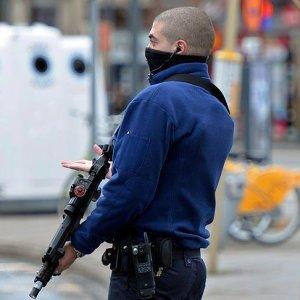 Belçika'da terör alarmı! Polise ve asker harekete geçti