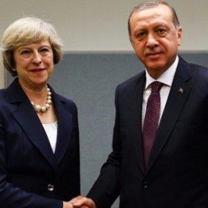Erdoğan'dan İngiltere Başbakanı'na taziye telefonu