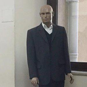 Cansız manken adliye koridorunda kaldı