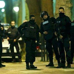 Fransa'da metro istasyonunda çatışma