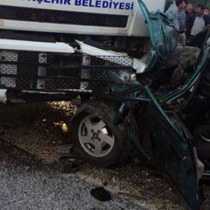 Trafik kazası can aldı: 1 ölü, 5 yaralı