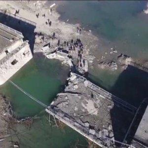 Rusya'dan flaş açıklama ! Köprüler yıkıldı, ulaşım durdu