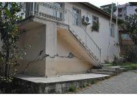 Akçakocada 1 Nolu Sağlık Ocağı Binasındaki Çatlaklar Korkutuyor