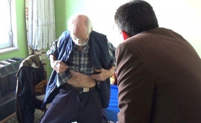 78 yaşındaki babalarını eve kitleyip aç bıraktılar