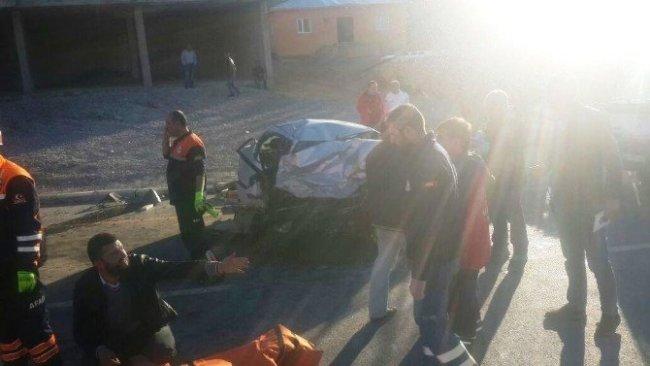 Van'da trafik kazası ! Ölü ve yaralılar var...