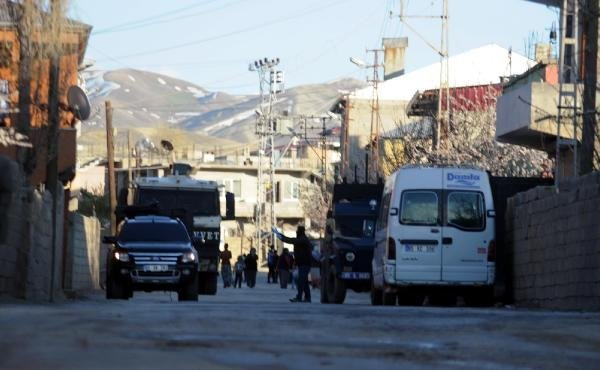 Van'da PKK'lıların örgüt evine baskın !