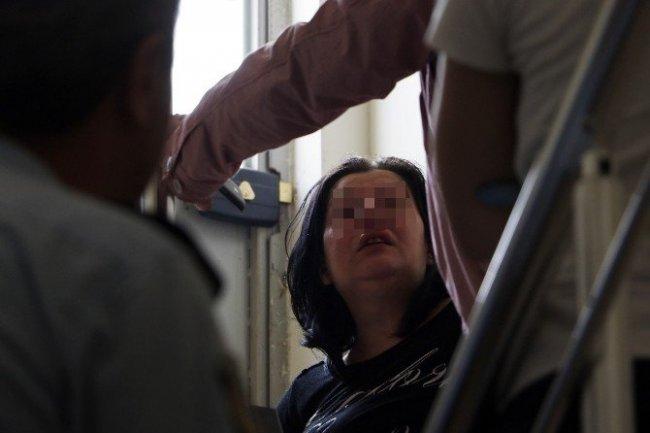 Kızı cinsiyet değiştirmek isteyen anne hastanelik oldu !