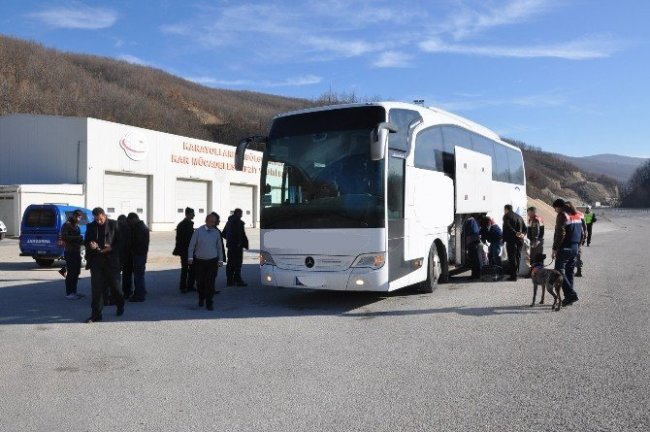 PKK'lı terörist otobüste yakayı ele verdi !