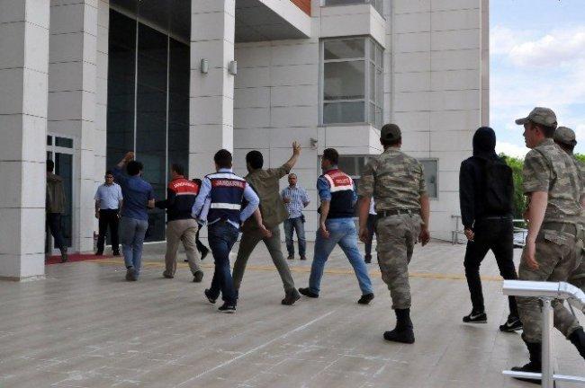 PKK'nın 54 yandaşı gözaltında !