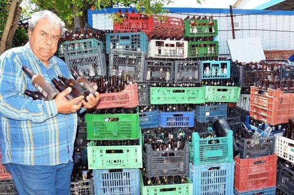 Biriktirdiği 30 bin şişe elinde kaldı !
