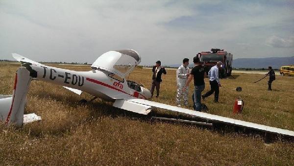 Eğitim uçağı düştü !