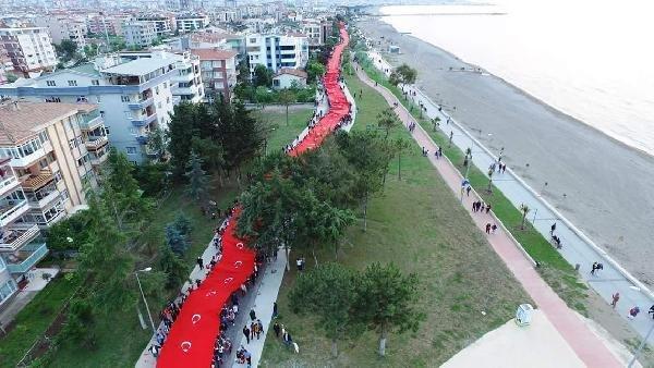 1919 metrelik Türk bayrağı hayran bıraktı !