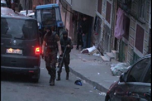 Sultangazi'de terör operasyonu !