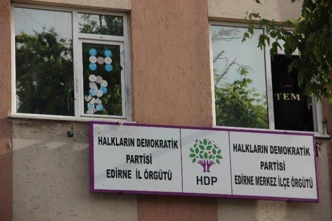 Edirne'de HDP binasına polis baskını !