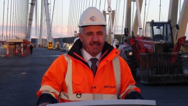Ulaştırma Bakanı 3. Köprü'de işçilerle iftar yaptı !