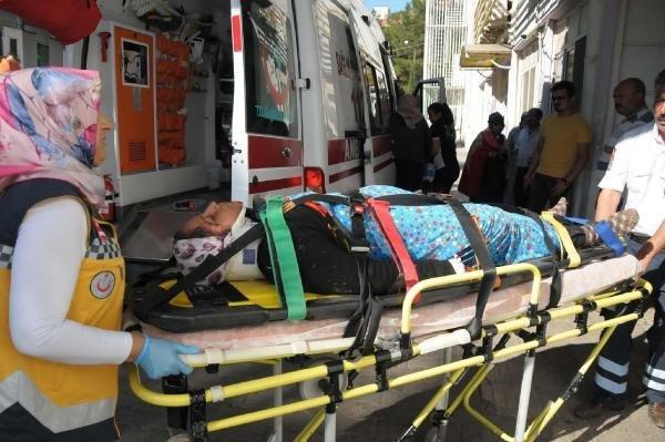 Şanlıurfa'da işçileri taşıyan kamyonet feci şekilde kaza yaptı !