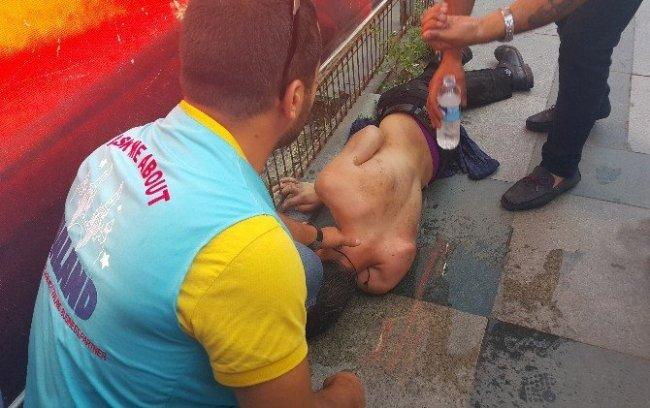 Taksim'de şok eden görüntü; yere yığılıp kaldı