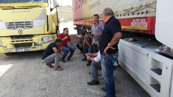 TIR şoförleri sınırda bekletiliyor !