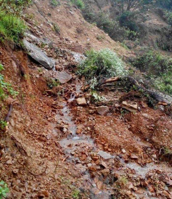 Hindistan'da şiddetli yağış can aldı