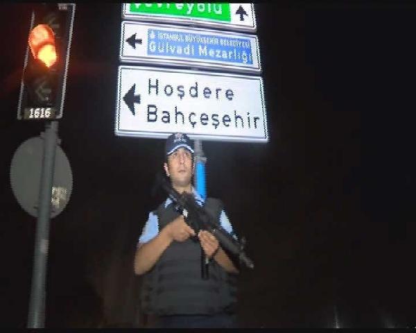 İstanbul'da askeri kışlaya bombalı saldırı !