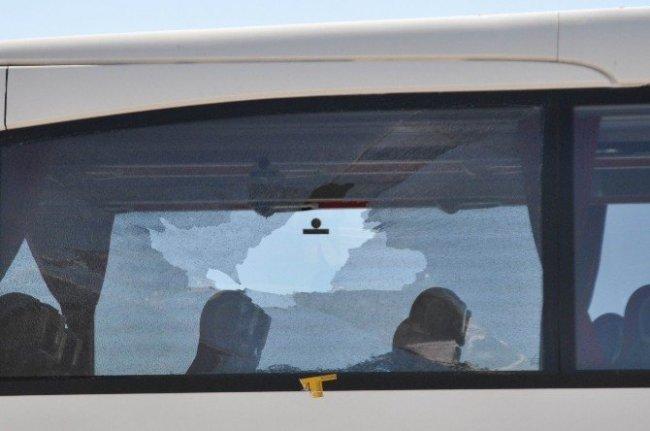 Hostese otobüste kurşun yağdırdı