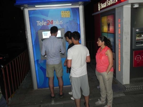 Vatandaş ATM'lere koştu