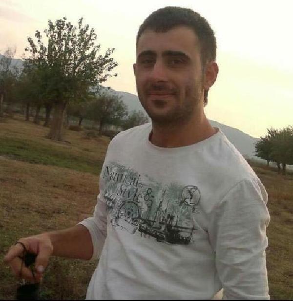 Kasksız motorsiklet sürücüsü öldü