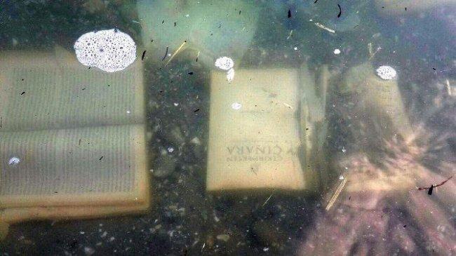 Gülen'in kitapları denizden çıktı !
