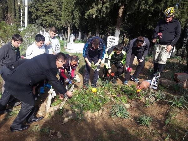 Tuncel Kurtiz'in mezarı neden yapılmadı ?