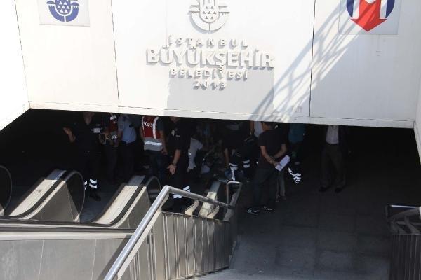 Taksim metrosunda bir garip kaza: 2 yaralı