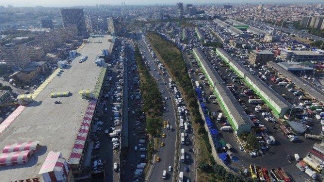 İstanbul'daki trafik çilesi havadan görüntülendi