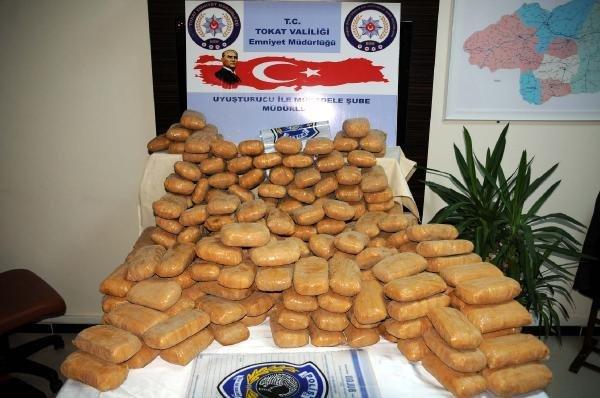 Tokat'ta Tır'da 120 Kilo Eroin Ele Geçti, 4 Gözaltı