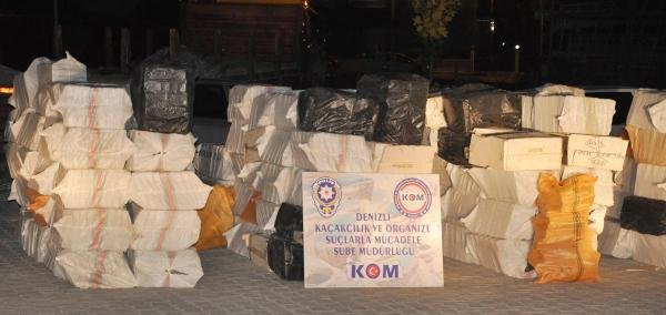 TIR dorsesinden binlerce paket çıktı !