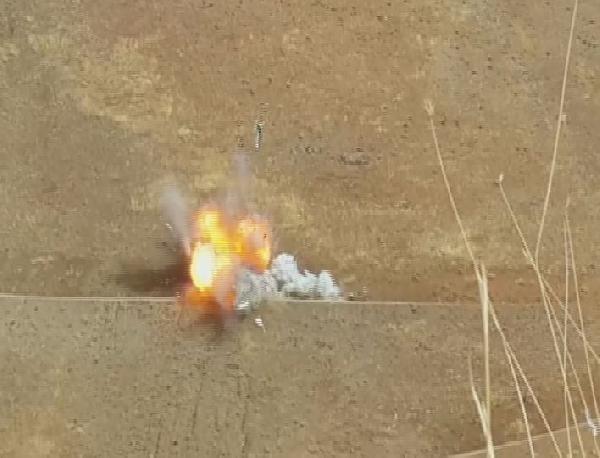 Bomba yüklü aracın imha edilme anı kamerada