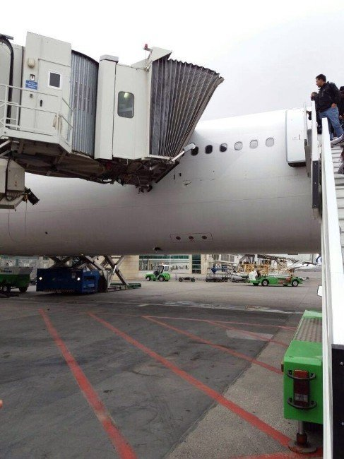 Esenboğa Havalimanı'nda korkutan kaza
